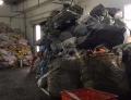 青浦区工厂各种垃圾混在一起帮助分拣分类处置处理