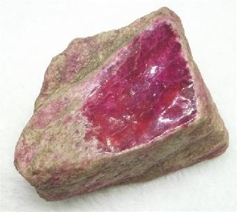 红翡翠原石鉴定价格