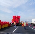 上海滚塑水马防撞桶、隔离墩路障