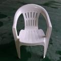 白色塑料桌椅生产厂家 桌椅厂家在临沂