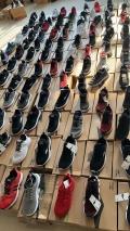 品牌运动鞋尾货批发