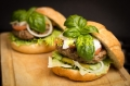 开一家呗拉汉堡西式快餐加盟需要哪些条件