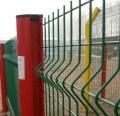 浸塑桃型柱围栏网生产厂家