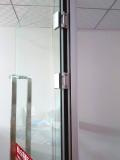 西安哪里定做玻璃合页门?