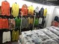厂家高价收多发,有收旧款女装的不60吨左右